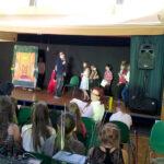 Przedstawienie Aschenputtel przygotowane przez kl. 6d i uczniów z Löcknitz